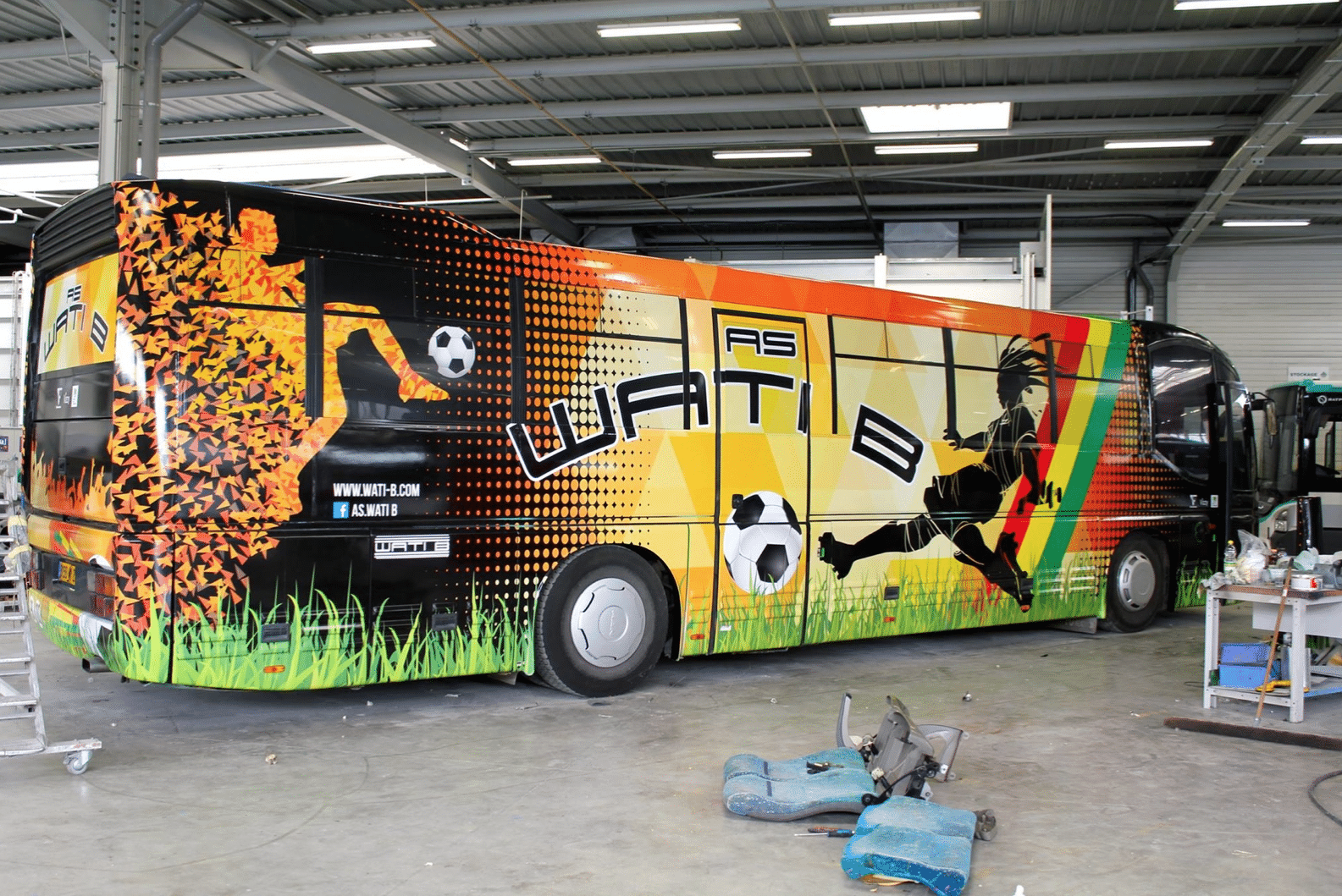 BUS WATI B WRAPPING